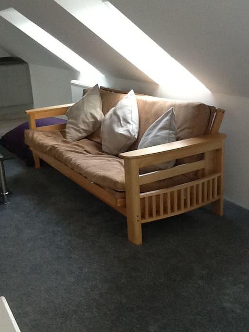 Living area /Futon