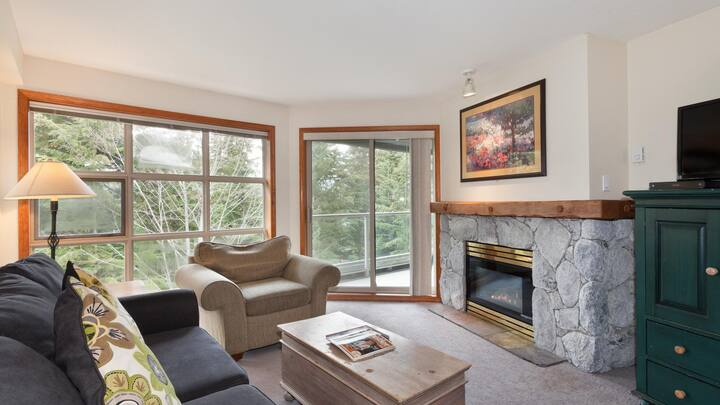 Ski-in/out 1-bedroom Condo