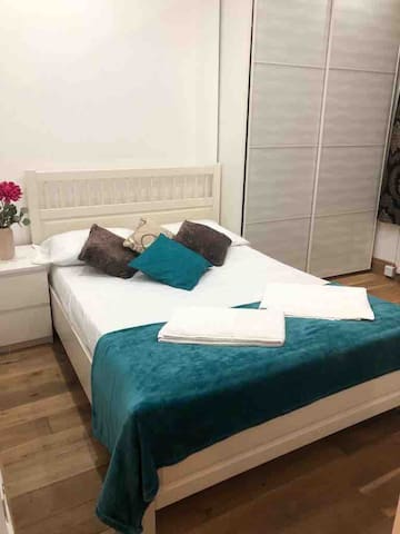 COZY SINGLE/DOUBLE BED/TERRACE 5MI/EARL COURT WEST