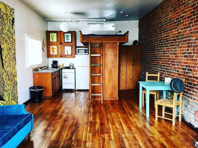 Quaint Studio in Historic Building. - Saint Paul - Loft