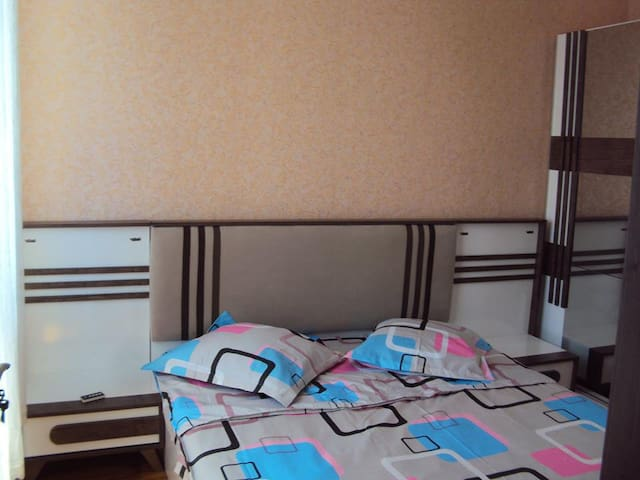 Аппартаменты у моря - バトゥミ - アパート