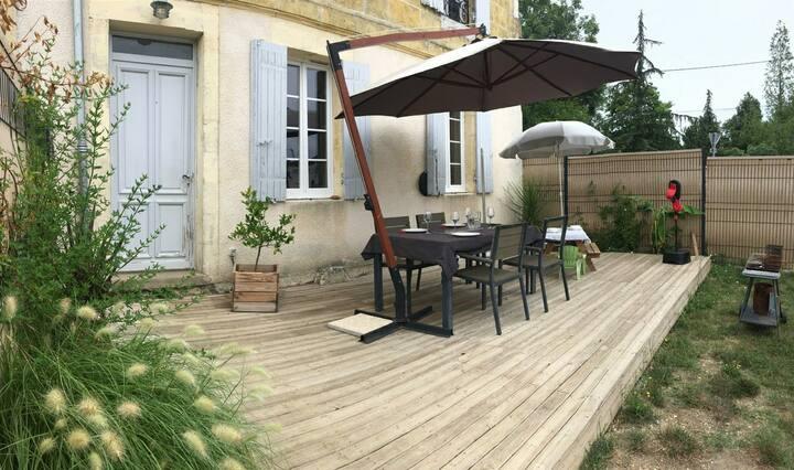 Maison pierre 20min de Bordeaux au cœur des vignes