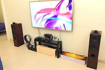 "Giant 70"" 4K 3D LED TV with Local Main Channels, Tons of Bluray DVDs, Tube Amplifer, 600+ Video Games Player. 巨型70寸4K 3D家居电视连接本地主要电视台与大量高清蓝光碟荷里活大片、高品质胆机Hifi扩音器音响系统、600多合一经曲电视游戏机"