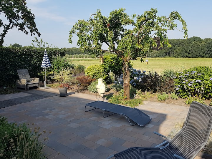 Breda, private rooms with beautiful garden