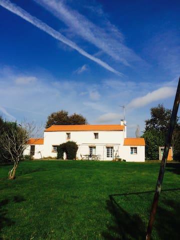 Maison campagne proche mer - Vendée - Poiroux - Dům