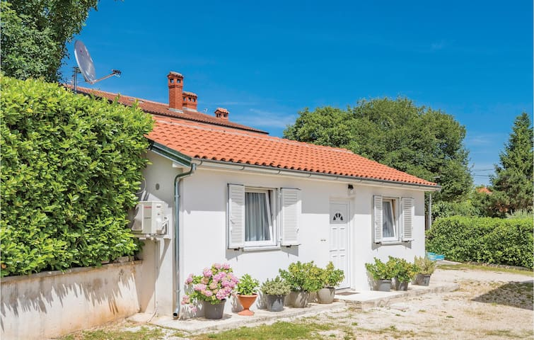 Holiday cottage with 1 bedroom on 43m² in Zminj