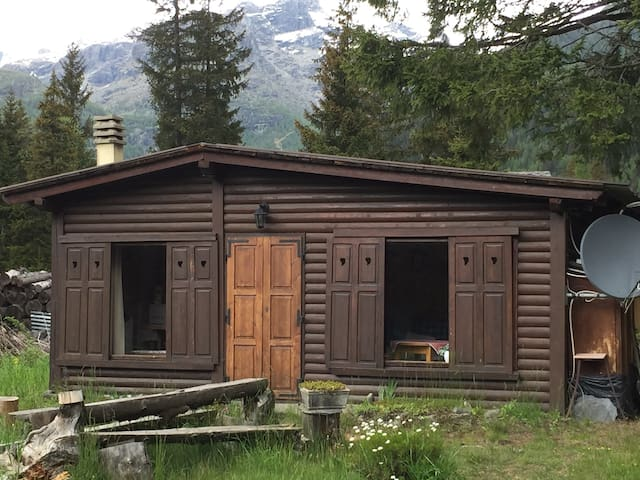 Cosy cottage 300 m from main lifts - Ayas