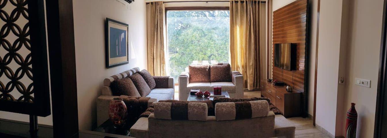 MJs luxury stay