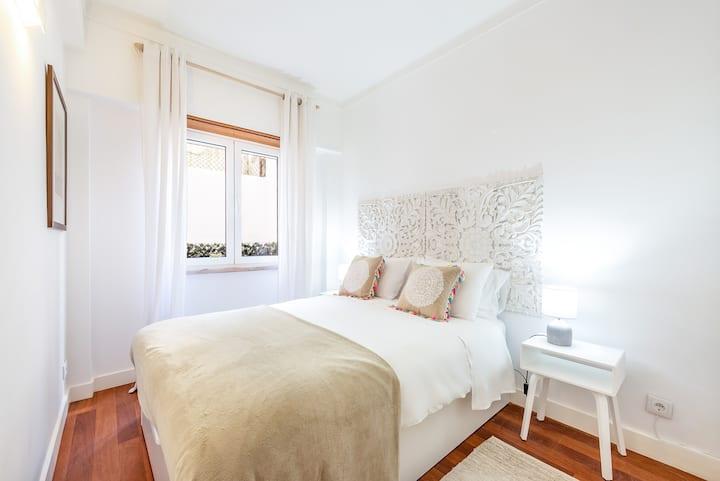 Cozy 1 Bedroom Apartment With Patio