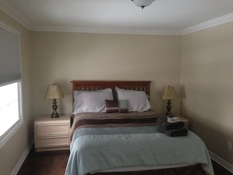 Large one bedroom Niagara Falls Canada  vacation home