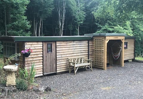 Cosy Woodland Cabin Escape ~ Long Stays Available