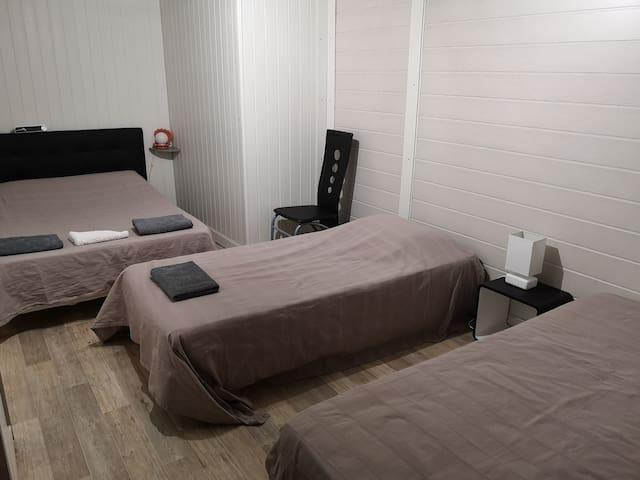 Chambre privée idéale pour 1 à 4 randonneurs