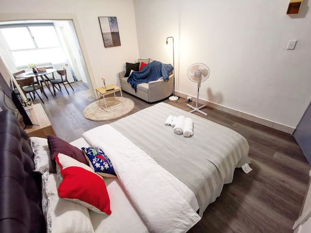 Excellent location and newly renovated studio