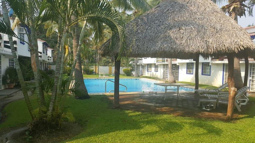 Villa muy tranquila para disfrutar de acapulco - Acapulco - House