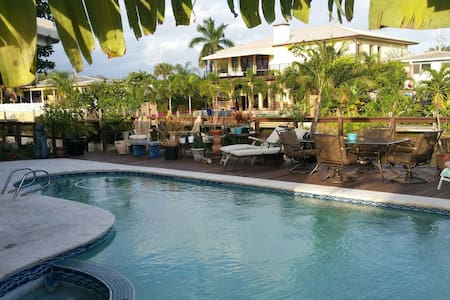 E Wilton Manors Ocean /Waterfront/Pool Oasis!