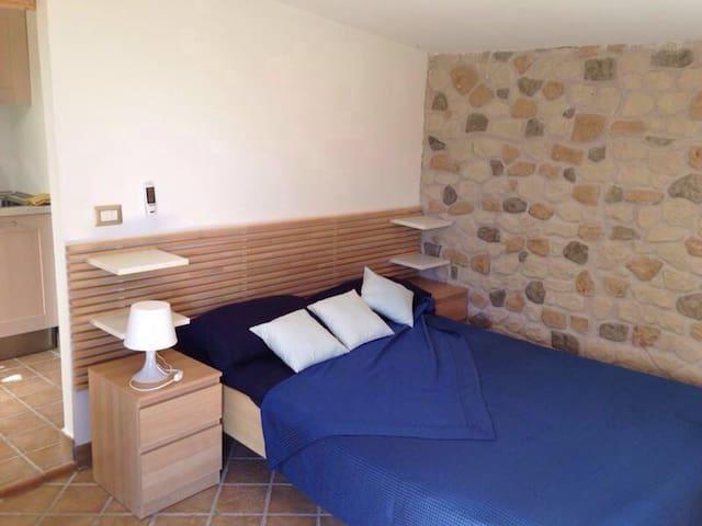 Palinuro: suite - casa vacanza immersa nel verde - Palinuro - Apartemen