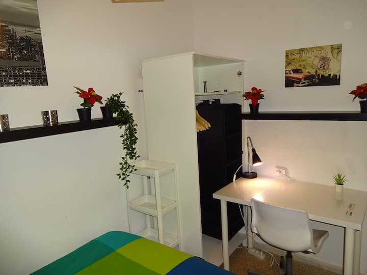 2.3Barcelona Sabadell Private Room (Full Services)
