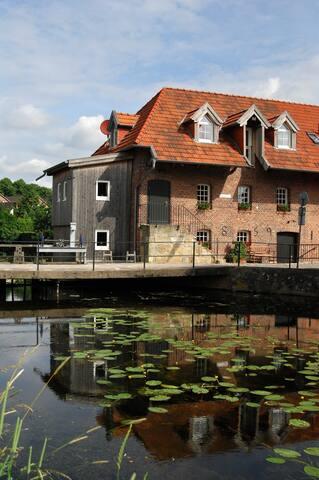 Relaxen im DG-Studio der historischen Wassermühle