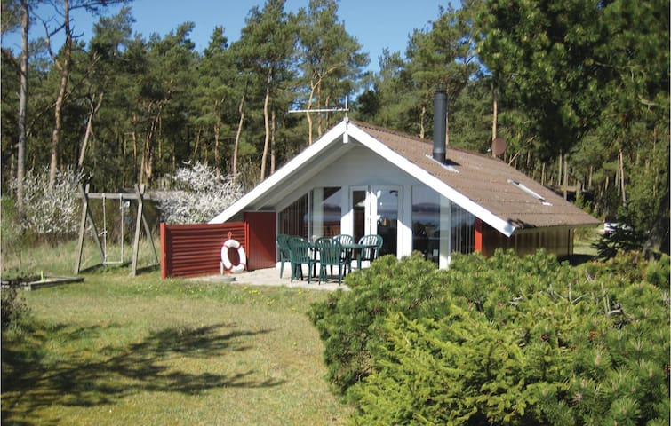 Holiday cottage with 2 bedrooms on 56m² in Havndal