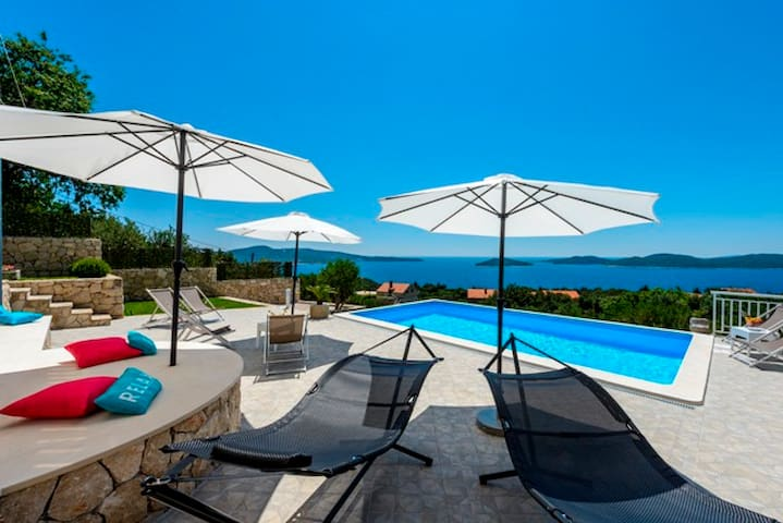 APARTMENT SILVI 1 FOR 5 PERSONS WITH SHARED POOL