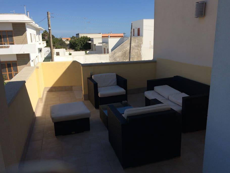 Terrazzo con divani