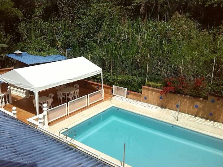 Casa Campestre-Completa 22 per.(San José Salado)