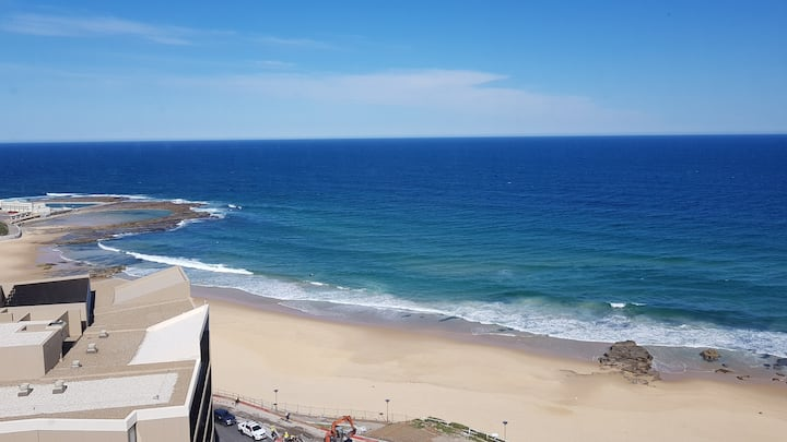Stunning Apartment overlooking Newcastle Beach #1