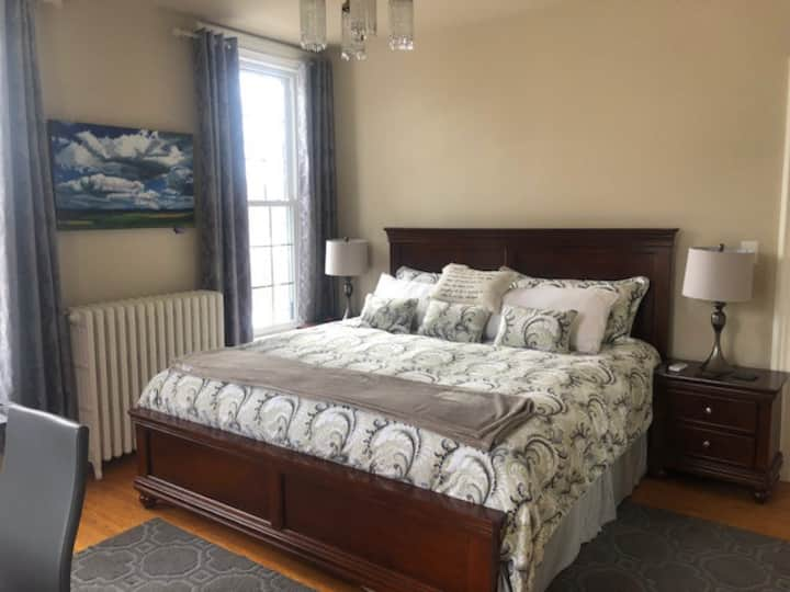 1000 Islands B and B - Sugar Maple Room
