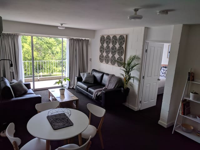 Launceston City Park Apartment
