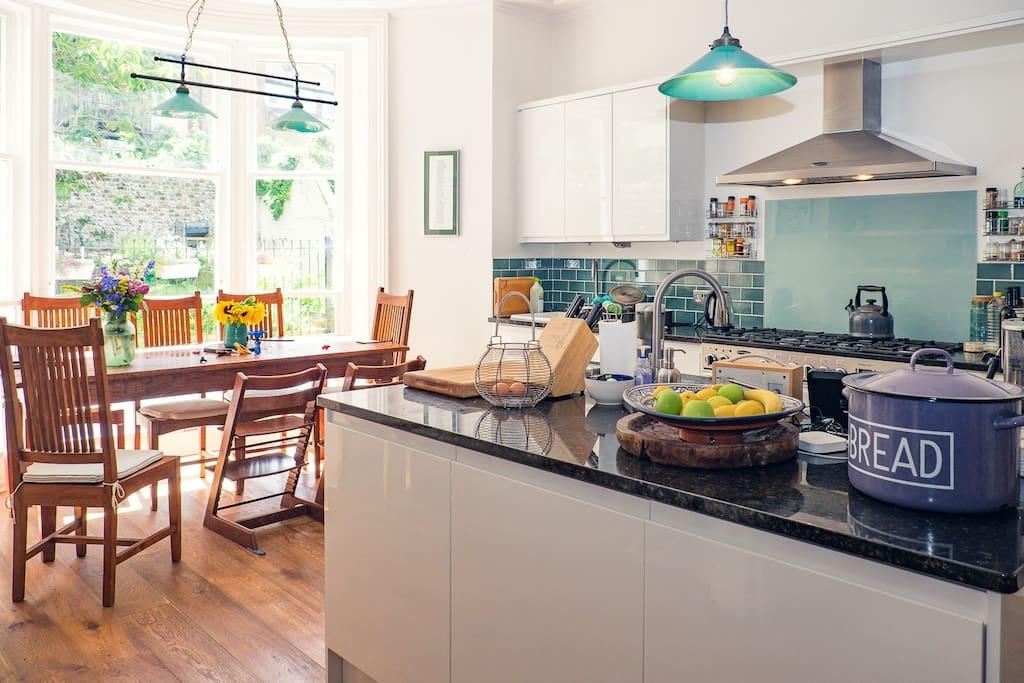 Big, sunny kitchen/diner, overlooking the back garden