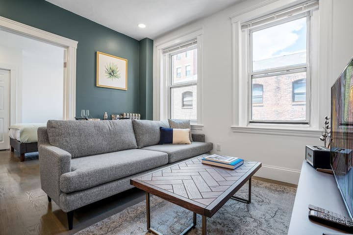 Lovely Fenway Park 1BR close to Green Line by Blueground