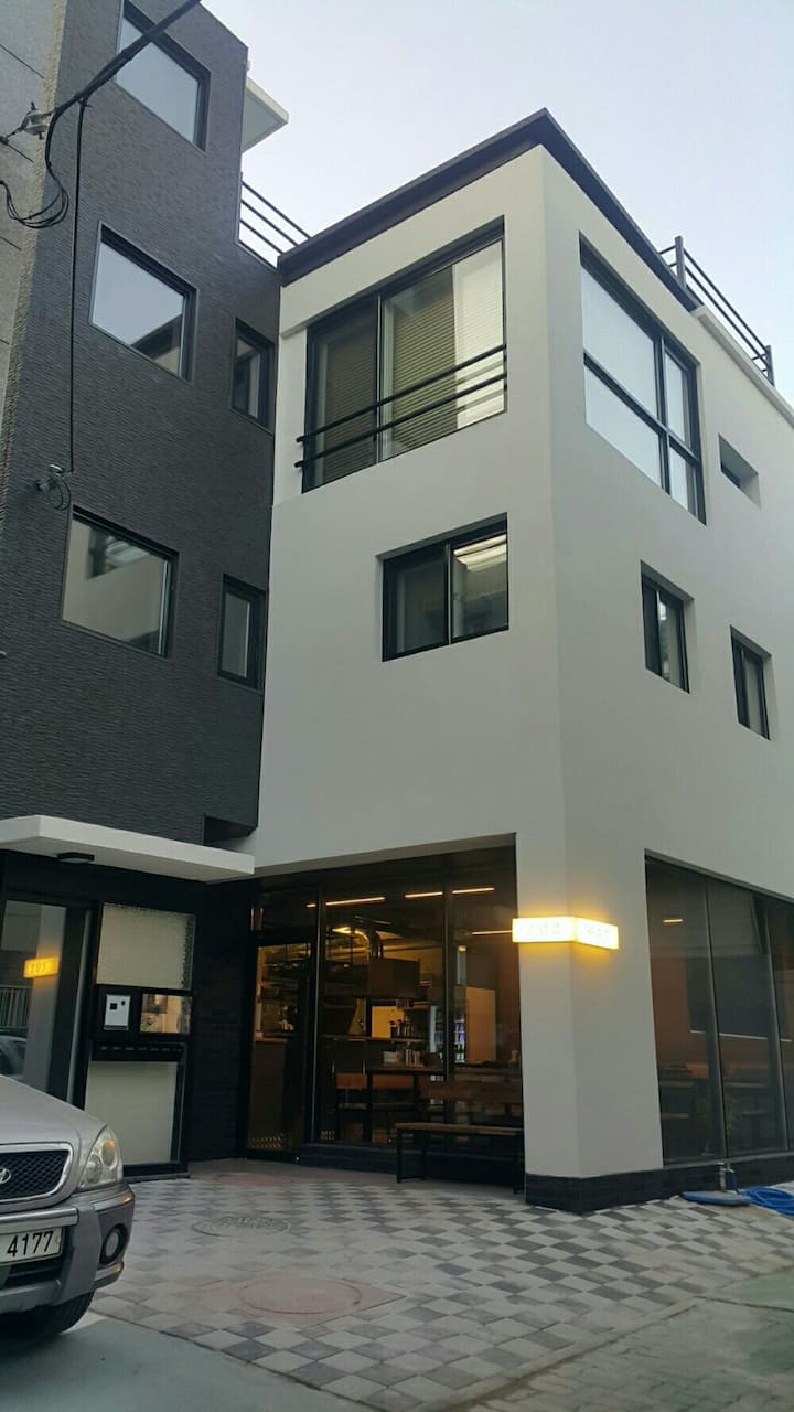 """2.""""Private room""""경북대  북문에서 제일이쁜집!  내집같이쉴수있는  편안한곳^^"""
