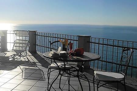 Loft with terrace and beaufiful sea view | Ap03 - Poggi - Huoneisto