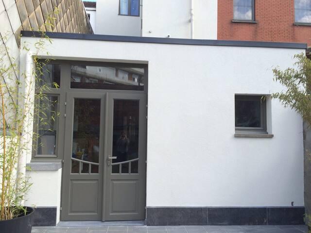 Gezinswoning met tuin in groene rand Antwerpen - Antverpy - Řadový dům