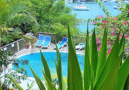 Mango Beach Inn in Marigot Bay - Marigot Bay - Wikt i opierunek
