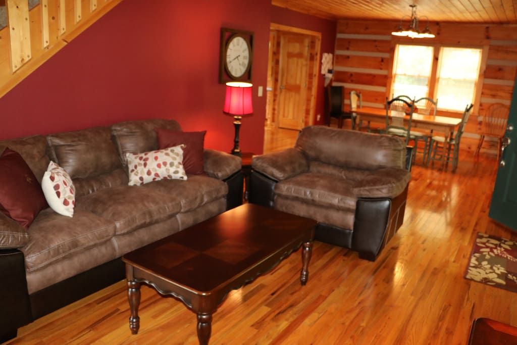 Rustic furnishings to relax and enjoy your vacation