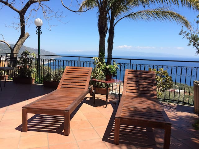 CASA LILI  Sea View Terrace Garden BBQ