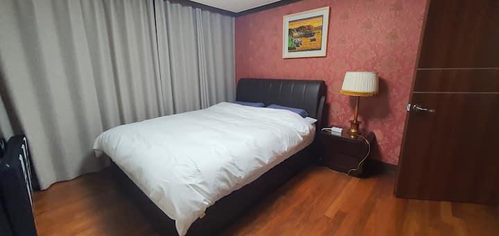 원주시외,고속버스터미널근처 방 3개,침대 3개,화장실2 넓은 거실과 침실 에어컨3대
