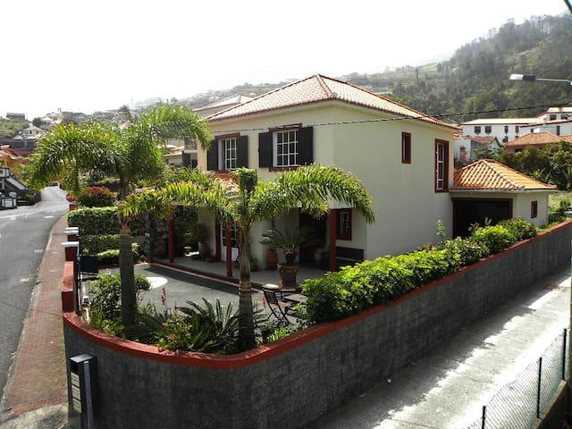 Moradia - São Vicente