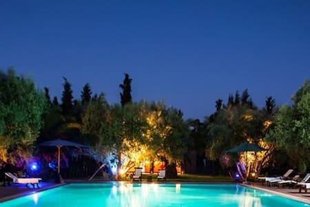 Douarna, bungalow dans grande propriété - 馬拉喀什(Marrakech)