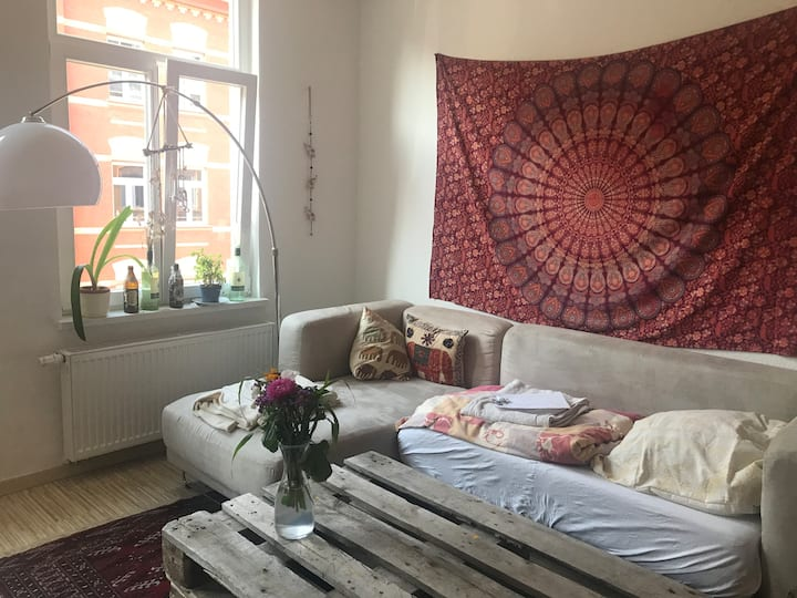cozy big hippie room next to the old town