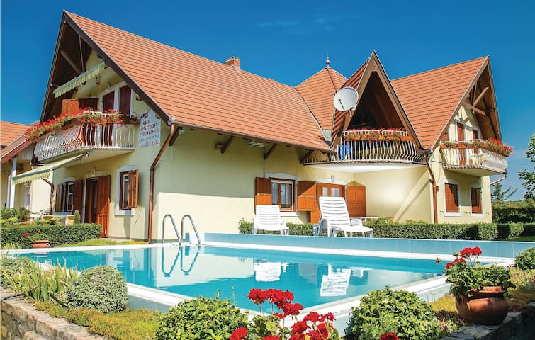 Holiday apartment with 3 bedrooms on 0 m² in Balatonmáriafürdö