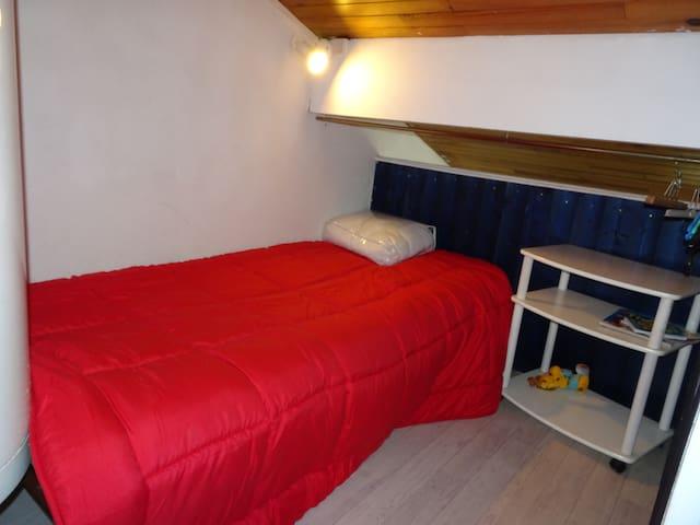 Chambre lit 1 place (Mezzanine)