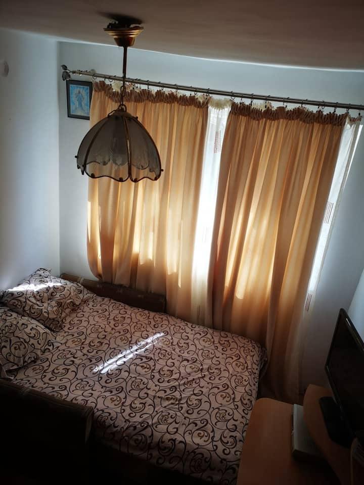Cameră privată lângă orașul Lehliu Gară