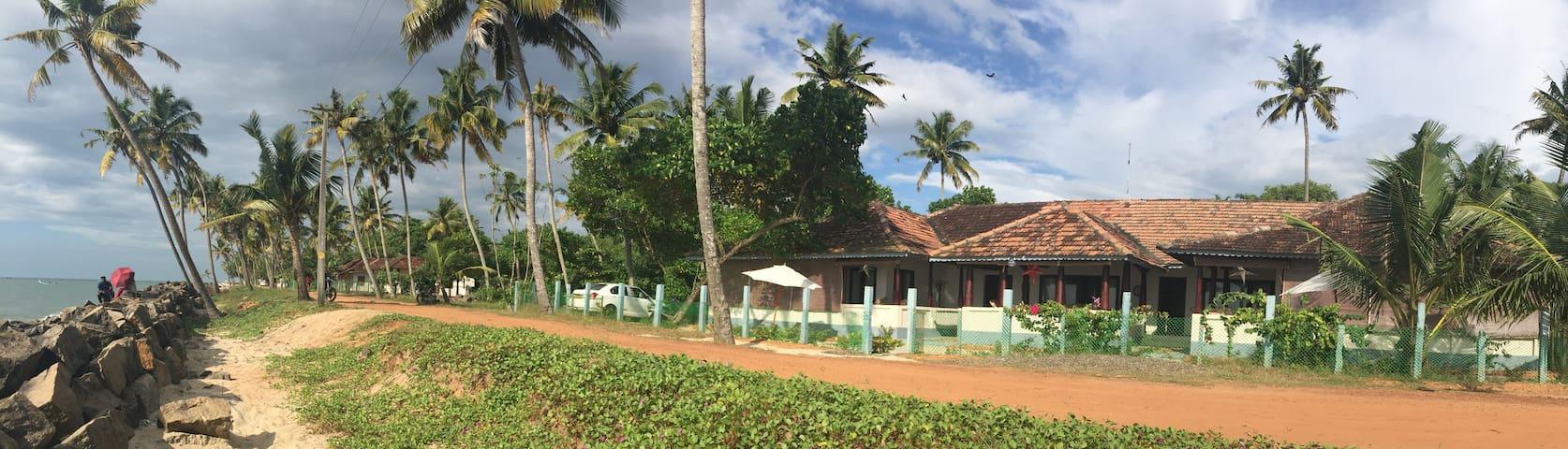 Samudrasukh: 3-room bungalow - Alappuzha - Hus