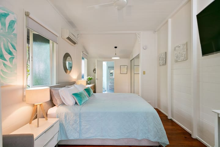 Master Bedroom 3, Queen Bed, with Ensuite and Airconditioning