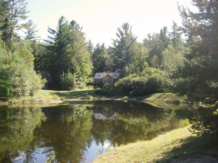 Private pond-side location is quiet, peaceful & idyllic