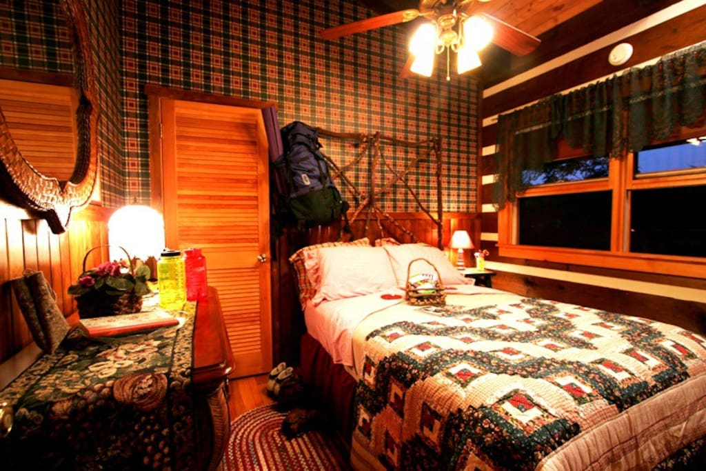 Tiny B Amp B Room With Bath Across The Hall Cabins For Rent