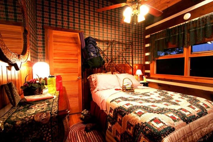 Log cabin private room Private Bath Across Hall