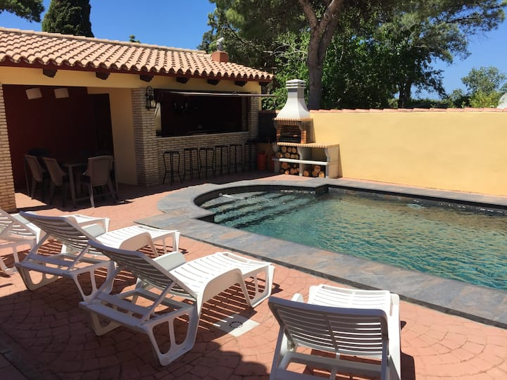 Villa with 3 bedrooms in Chiclana de la Frontera, with private pool, enclosed garden and WiFi
